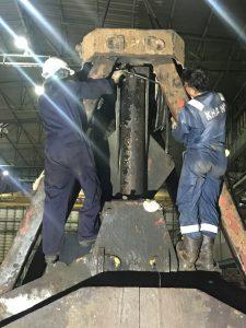 Hydraulic Cargo grab overhauling